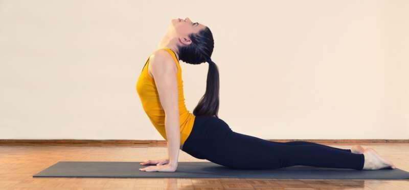 Benefici dello Yoga al mattino_Corsi di Gruppo_Metica Paderno Saronno